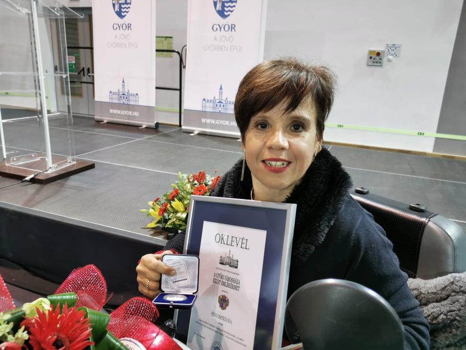 Pécsi Gertrúd díja